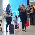 Filha de Giovanna Ewbank chamou a atenção de pessoas que circulavam no aeroporto