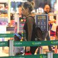 Filha de Giovanna Ewbank  chamou atenção de quem circulava pelo local aeroporto
