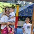 Wanessa levou os filhos, José Marcos e João Francisco, para a festa da mãe, Zilu
