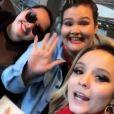 Larissa Manoela encontra bailarinas plus size de Anitta em aeroporto nesta terça-feira, dia 13 de junho de 2017