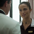Sandra Helena (Nanda Costa) é ouvida por Prazeres (Cristina Pereira) ao dizer a Júlio (Thiago Martins) que trabalhar é uma forma de não ser considerado suspeito, no capítulo que vai ao ar sexta-feira, dia 30 de junho de 2017, na novela 'Pega Pega'