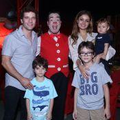 Sophie Charlotte e Daniel de Oliveira levam o filho, Otto, ao circo, no Rio