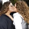 Daniela Mercury beija a mulher, Malu Verçosa, no trio em Parada LGBT. Fotos!