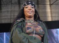 Ludmilla deixa parte do seio à mostra ao usar look transparente em show, no Rio