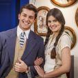 Camila Queiroz e Klebber Toledo engataram romance nos bastidores da novela 'Êta Mundo Bom'