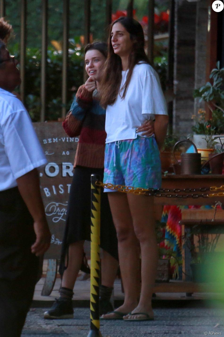 Bruna Linzmeyer comentou a relação com a namorada, Priscila Visman: É preciso coragem, consciência'