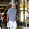 Aos 64 anos, o ator Antonio Fagundes começou a apostar em peças mais estilosas