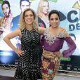 Anitta e Júlia Rabello na pré-estreia do filme 'Copa de Elite', em São Paulo