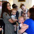 Príncipe George, filho de Kate Middletlon e do Príncipe William, chama atenção em evento na Nova Zelândia