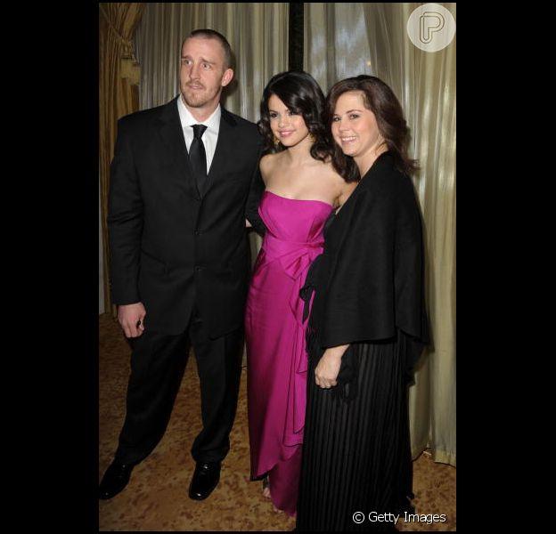 Mãe de Selena Gomez soube pela imprensa que aeria demitida
