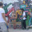 Mariana Ximenes fez um ensaio sexy para revista 'VIP' no morro do Vidigal, Zona Sul do Rio de Janeiro