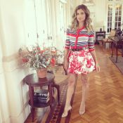 De minissaia, Grazi Massafera entrevista Carolina Kasting para o 'Superbonita'