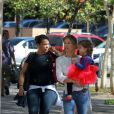 Grazi Massafera passeia com Sofia em shopping do Rio nesta quarta-feira (30 de abril de 2014)