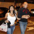 Gretchen chega ao restaurante com o marido, o empresário português Carlos Marques