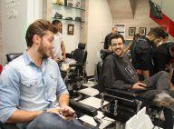Klebber Toledo e Joaquim Lopes participam de dia de beleza em salão para homens