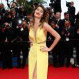 Isabelli Fontana foi ao Festival de Cannes 2014 com um vestido amarelo da grife Tufi Duek, que foi escolhido pelos internautas
