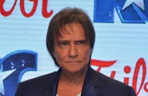 Biógrafo lança livro sobre briga judicial travada com Roberto Carlos