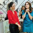 Thaila Ayala conversou com a dona da loja, Maria Dolores