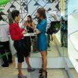 Thaila Ayala usou um vestido curto, deixando as pernas à mostra, para prestigiar coquetel de inauguração da primeira loja de Maria Dolores, na Alameda Lorena, em São Paulo, nesta terça-feira, 20 de maio de 2014