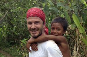 David Beckham carrega índio brasileiro nas costas em documentário