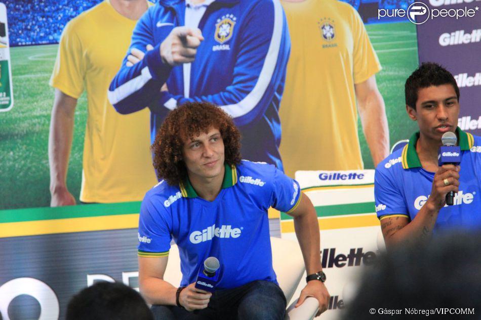 David Luiz tenta aproximação com jornalista da Espanha, segundo jornal