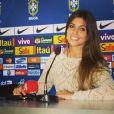 Patricia Dominguez, que faz a cobertura da Copa do Mundo em 2014, em Tersópolis, no Rio, chama a atenção do jogador David Luiz; craque da seleção tem flertado com a moça, diz jornal