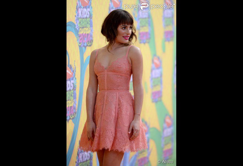 Lea Michele contou, em entrevista ao programa 'Chelsea Lately', que começou a beber quando era ainda uma garota