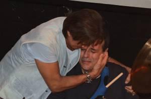 Roberto Carlos se emociona em show do filho Dudu Braga, em São Paulo