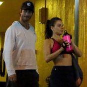 Isis Valverde exibe barriga seca ao deixar academia com namorado. Veja fotos!