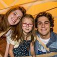 Gabriela (Camila Morgado) é mãe de Flora (Jeniffer Oliveira), Mel (Maria Rita) e Alex (Daniel Rangel), na novela 'Malhação: Vidas Brasileiras'