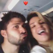 Aline Gotschalg viaja para Salvador com namorado: 'Que comece nosso carnaval'
