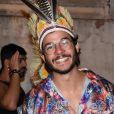 Túlio Gadêlha sorriu para os fotógrafos na Queirogada