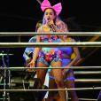 Anitta usou look inspirado no clipe de 'Essa Mina é Louca' ao cantar com seu Bloco das Poderosas nesta sexta-feira, dia 9 de fevereiro de 2018, no Carnaval de Salvador