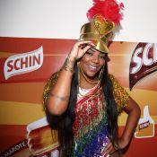 Paquita? Ludmilla usa chapéu e body colorido em camarote de Salvador. Fotos!