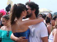 Thaila Ayala faz releitura de Mulher-Maravilha em look e beija namorado em bloco