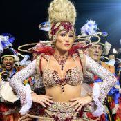 Madrinha em SP, Lívia Andrade dispensou dieta para desfile: 'Comi espaguete'