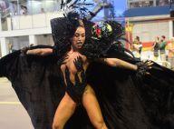 Aniversário na avenida! Dani Bolina faz 34 anos em desfile de SP: 'Muito feliz'