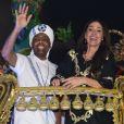 Gilberto Gil e Flora Gil mostraram empolgação no carro alegórico da Vai-Vai