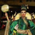 Quitéria Chagas usou quimono no desfile do Império Serrano sobre a China