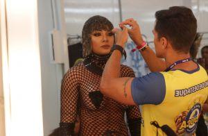 Juju Salimeni ostenta look de R$ 40 mil em desfile na Sapucaí: 'Rede com pedras'