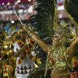 Rainha faraó no desfile do Salgueiro de 2018, Viviane Araujo levantou o público durante sua passagem pela Marquês de Sapucaí