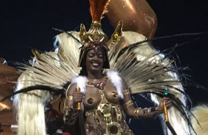 Iza vira guerreira no Salgueiro em estreia no Carnaval: 'Força da mulher negra'