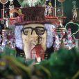 Enredo da Grande Rio homenageava o apresentador Chacrinha com o samba 'Vai para o trono ou não vai?'