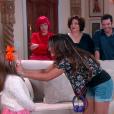Cassandra (Bárbara Maia) conhece Dulce Maria (Lorena Queiroz) ao ser apresentada à família de Estefânia (Priscila Sol), no capítulo que vai ao ar segunda-feira, dia 19 de fevereiro de 2018, na novela 'Carinha de Anjo'