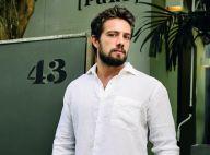 Rafael Cardoso quer se mudar com a família após 2º filho nascer: 'Meio do mato'