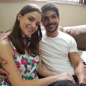 Conversa. Foto do site da Pure People que mostra 'BBB18': noiva de Lucas posta indireta após conversa dele com Breno: 'Ícone'