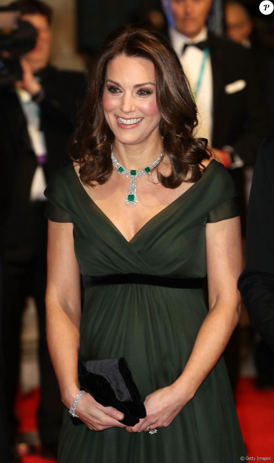 Kate Middleton é alvo de comentários ao usar vestido verde no Bafta, em 18 de fevereiro de 2018