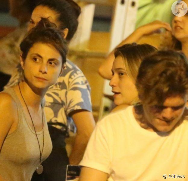 Fernanda Gentil e a namorada, Priscila Montandon, se beijaram após jantar, em restaurante da Gávea, Zona Sul do Rio, nesta quinta-feira, 23 de fevereiro de 2018