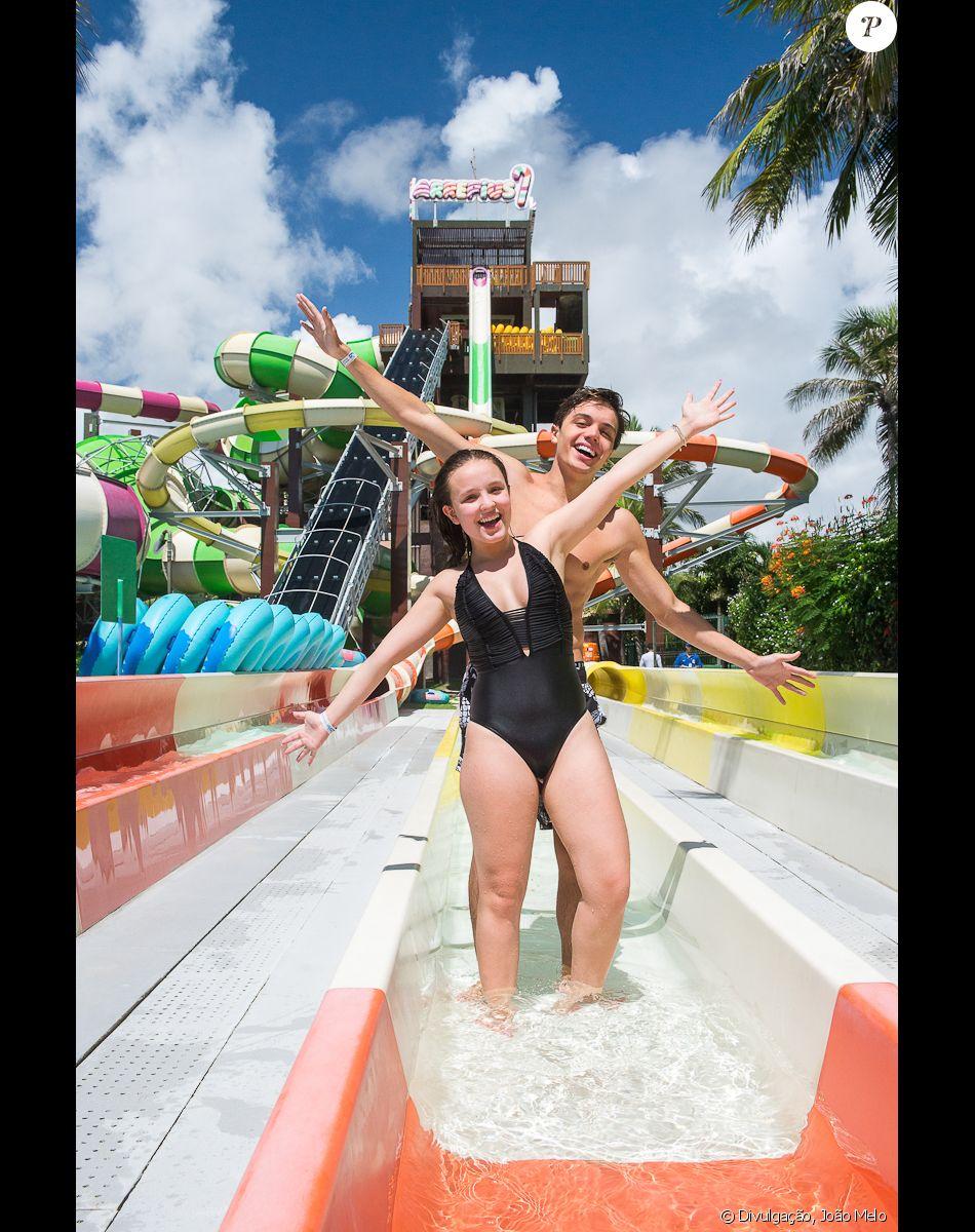 4fb9327e4c7ac Larissa Manoela e Leo Cidade no Beach Park, em Fortaleza, neste domingo, 4