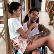 Bruna Marquezine consegue folga de novela para ficar com Neymar, recém-operado